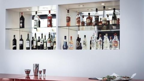 Bars in Delhi can't sell alcohol