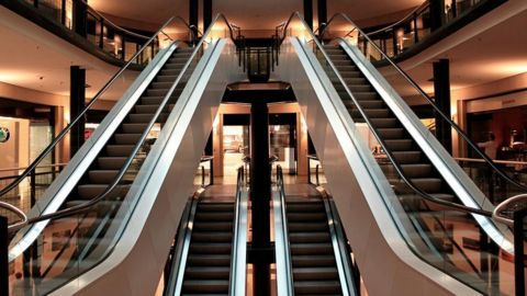 Moving escalator changed direction; four injured