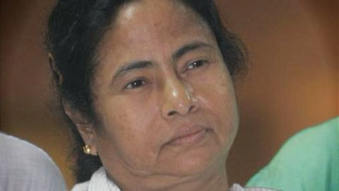 Mamata to Parrikar:  'You don't know how to write'