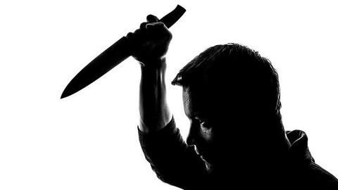 Bizarre knife attack on paan-seller