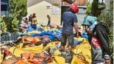 Indonesia quake-tsunami: Mass burials to begin as toll tops 800