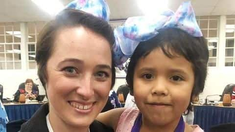 Teacher gets short haircut to match bullied Kindergarten student