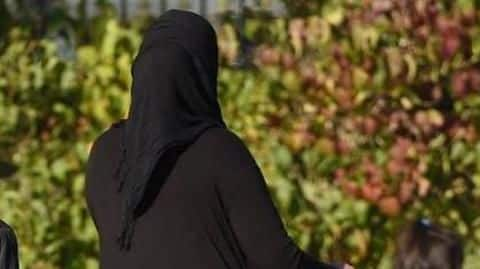 Indian-student abused for defending hijab-clad woman in UK