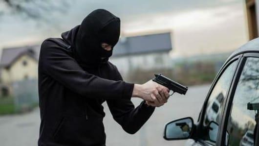 Delhi businessman robbed of Rs. 1.4cr at gunpoint