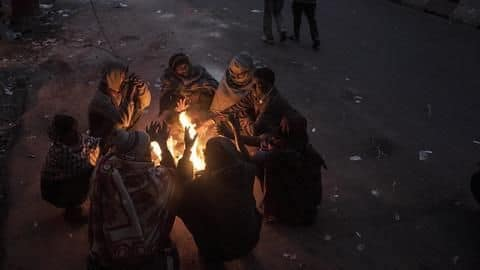 Delhi continues to shiver, wakes up to 5 degree Celsius