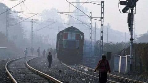 Delhi: Fog reduces visibility, 11 trains delayed by 2-3 hours