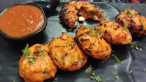 How to make lip-smacking tandoori momos at home