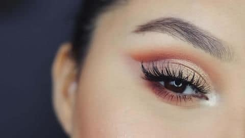 Here are some cool makeup hacks every girl should know