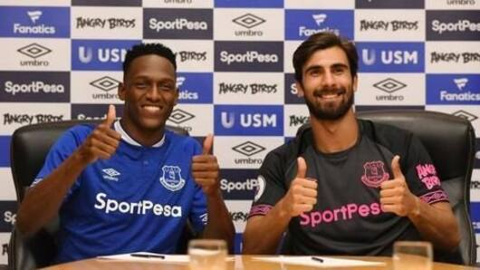 Everton buy Mina and Gomes from Barcelona