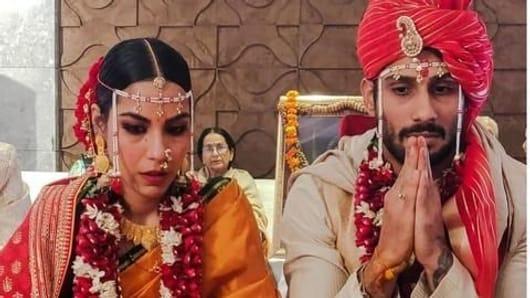 Prateik Babbar-Sanya Sagar's wedding pics are out
