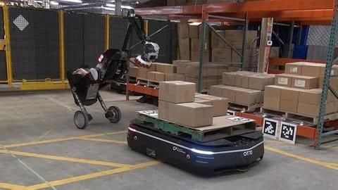 Watch: These robots handle warehouse jobs like real pros