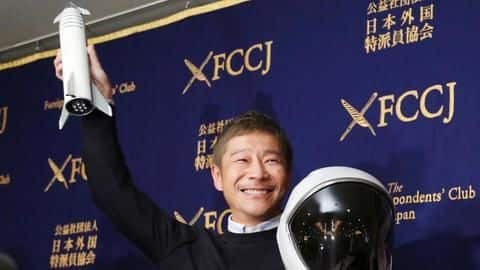 Japanese billionaire looking for a girlfriend for Moon trip