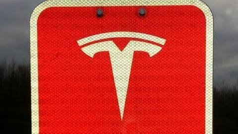 U.S. judge approves SEC settlement with Tesla, shares jump