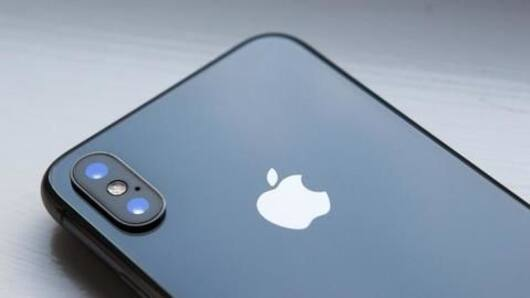 Apple patent hints at in-display selfie camera