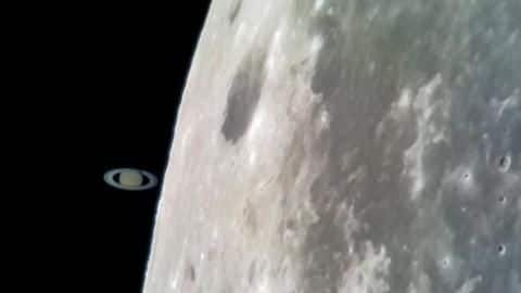 South African man uses smartphone to capture Saturn 'touching' Moon