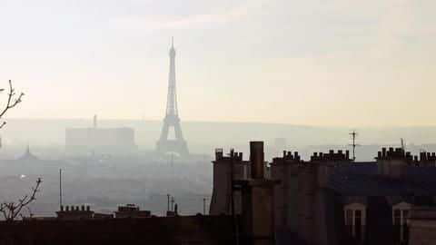 Mother-daughter sue France government over air pollution, seek €160k damages
