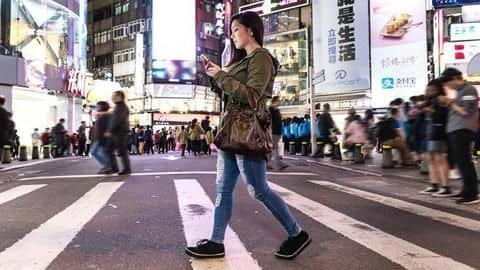 In New York, walking while texting could soon be illegal