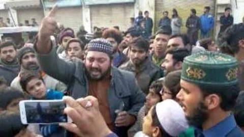 What is the reason behind Sikh-Muslim tensions in Pakistan?