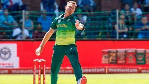 Steyn returns to T20I squad for England series