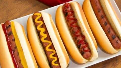 How to make delicious veg hot dogs at home