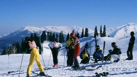 Auli: A guide to the skiing destination of India