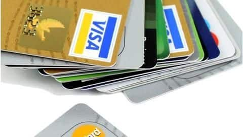 #FinancialBytes: Five best credit cards offered to students in India
