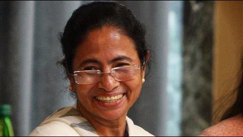 West Bengal CM Mamata Banerjee backs LK Advani for President