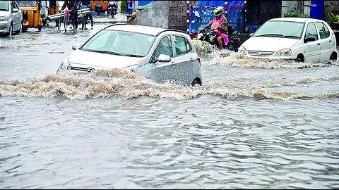 Heavy downpour impacts normal life in Hyderabad