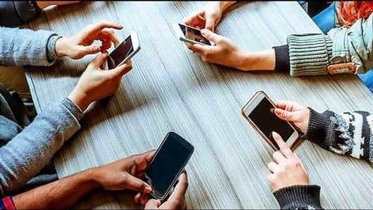 List of 6 good smartphones for teens