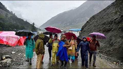 Amarnath Yatra from Jammu resumes after weather conditions improve
