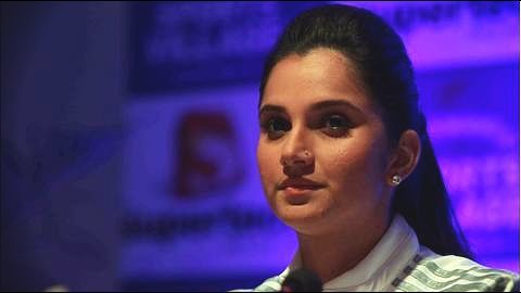 Sania Mirza promotes OnePlus on Twitter, gets trolled!