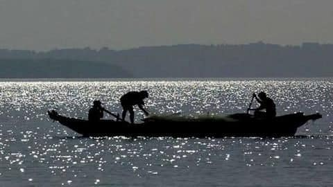 #IndiaPakistanTensions: Fishermen asked to stay away from 'strangers at sea'