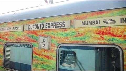 "Mumbai: ""Hero"" loco-pilots of derailed Duronto Express to be felicitated"