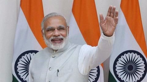 Maharashtra Government spent Rs. 8cr to advertise Modi's projects