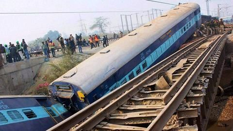8 coaches of the Mahakaushal Express derail in UP