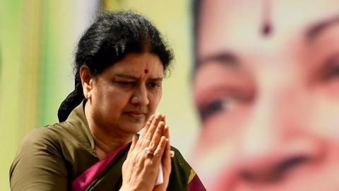 Sasikala moves SC, files petition in graft case