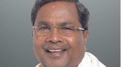 Ambulance made to wait for 3 minutes for CM Siddaramaiah