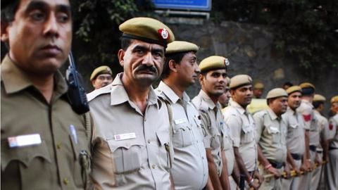 Bengaluru: Dial 100 and cops will speak in English/Hindi
