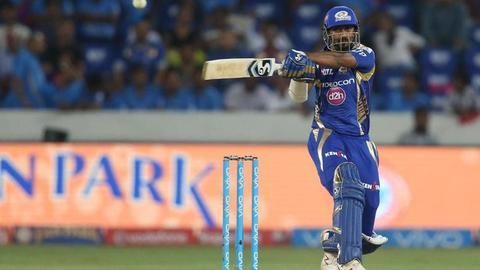 Gritty Krunal takes Mumbai to 129 after batting collapses