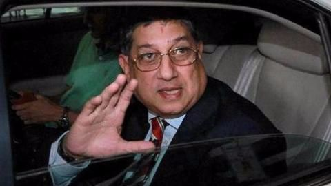Srinivasan looks to return to BCCI