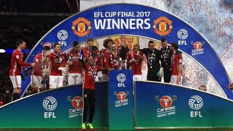 Manchester United defeat Southampton to win the EFL Cup