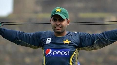 Umar Akmal accuses coach Mickey Arthur of abuse