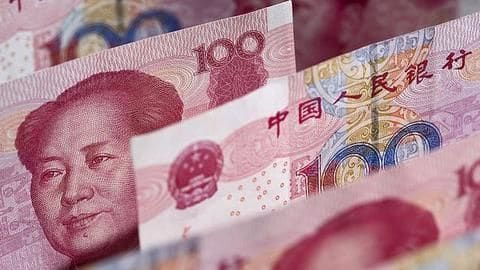 China's forex reserves drop, hit a 6-year low