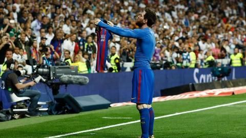 Messi magic propels Barca win in El Clasico thriller
