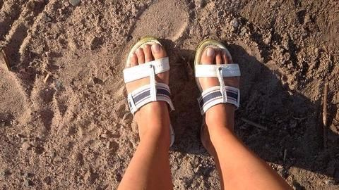 Footwear without back straps are sandals, declares Delhi High Court