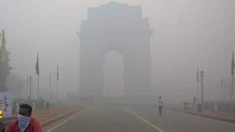 Fog and air quality gets worse in Delhi