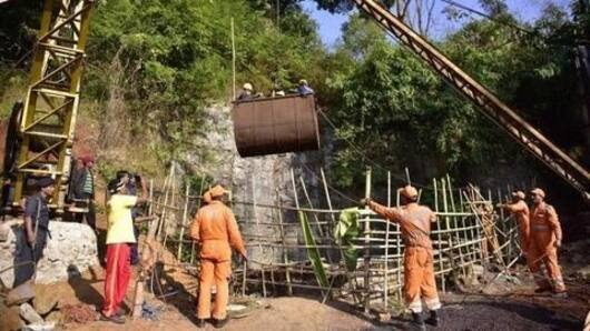 Navy divers spot second body inside Meghalaya mine