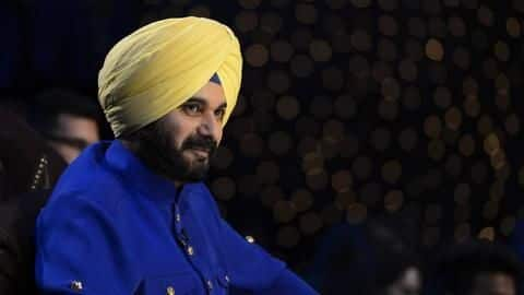 Sidhu slapped with sedition charges for hugging Pakistan Army Chief