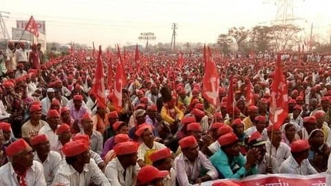 #AgrarianCrisis: Over one lakh farmers march on the Parliament