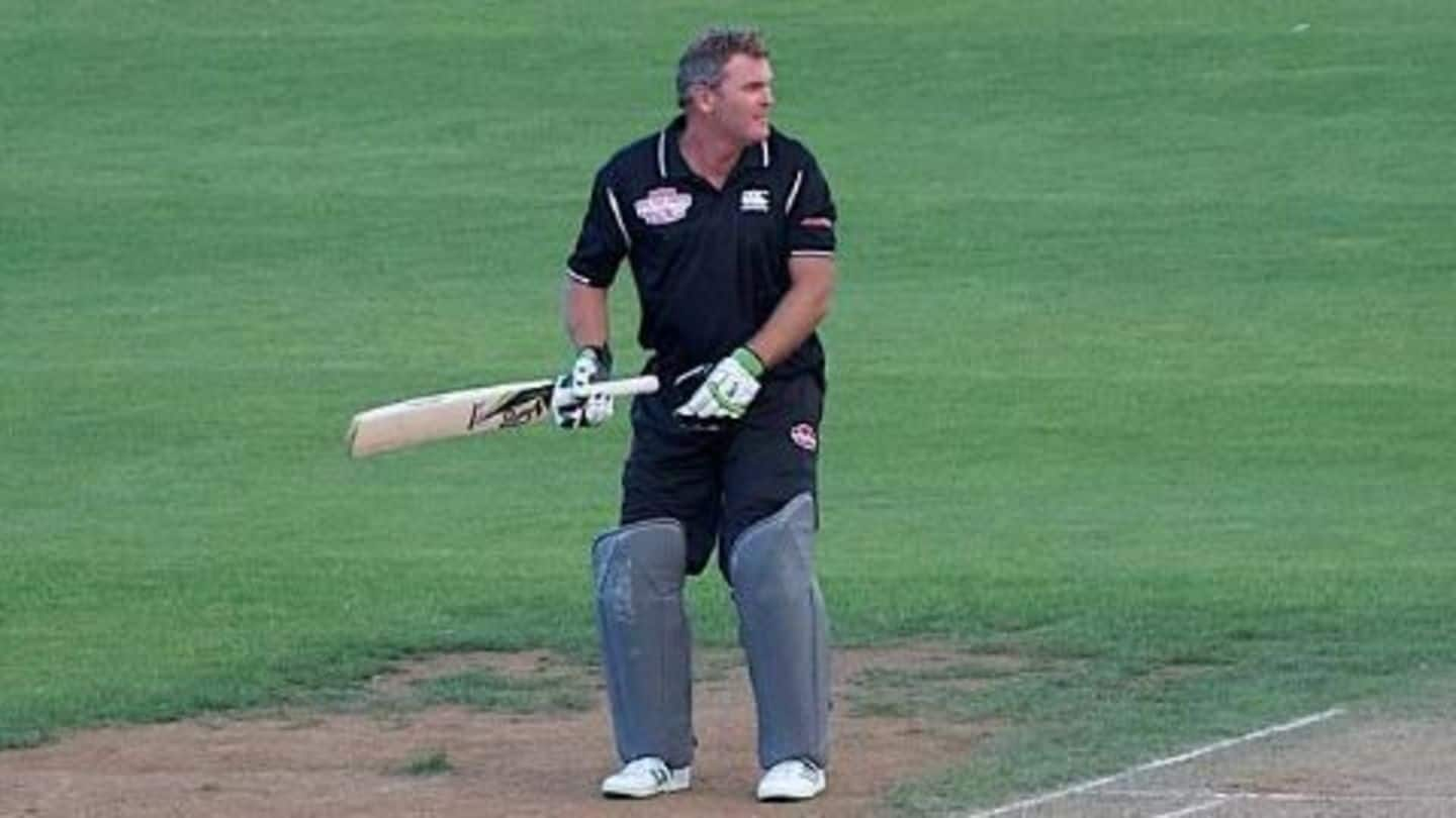 Cricket world mourns Martin Crowe's death